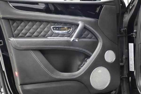 Used 2017 Bentley Bentayga W12 for sale $139,900 at Bugatti of Greenwich in Greenwich CT 06830 16