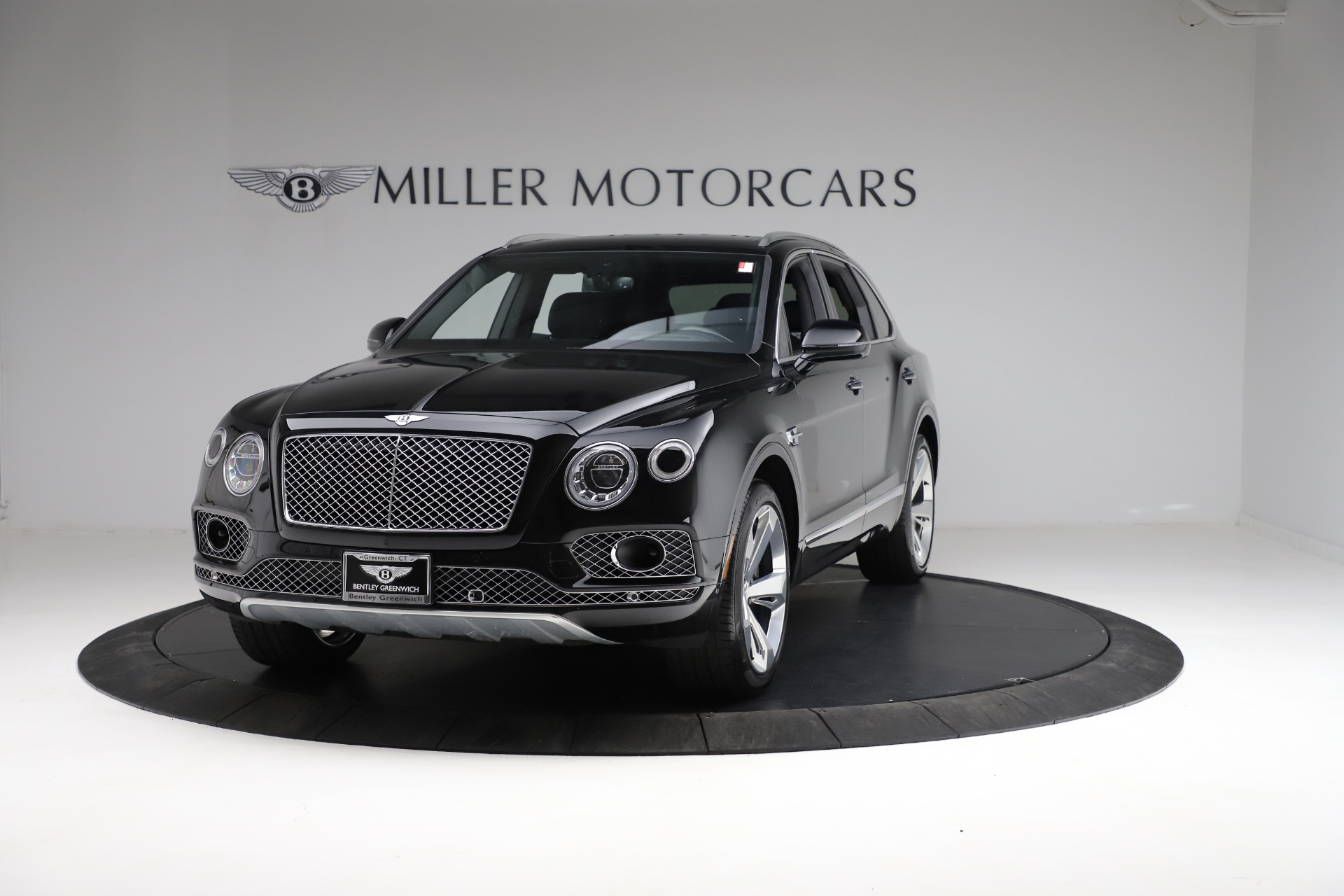 Used 2017 Bentley Bentayga W12 for sale $139,900 at Bugatti of Greenwich in Greenwich CT 06830 1