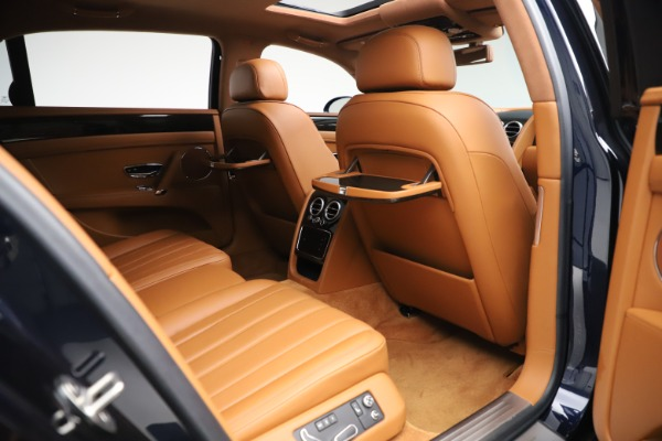Used 2016 Bentley Flying Spur V8 for sale $114,900 at Bugatti of Greenwich in Greenwich CT 06830 25