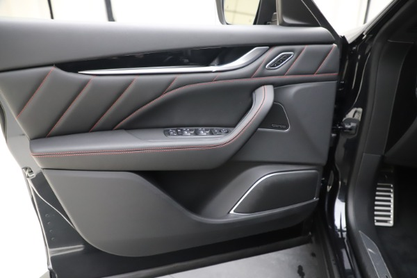 New 2020 Maserati Levante Q4 GranSport for sale $88,885 at Bugatti of Greenwich in Greenwich CT 06830 17