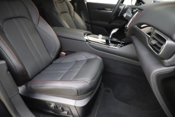 New 2020 Maserati Levante Q4 GranSport for sale $88,885 at Bugatti of Greenwich in Greenwich CT 06830 24