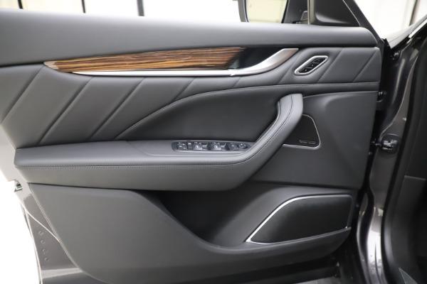 New 2020 Maserati Levante Q4 GranLusso for sale Sold at Bugatti of Greenwich in Greenwich CT 06830 17