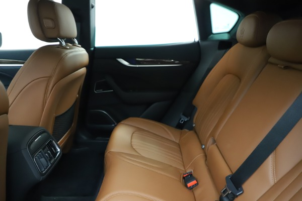 New 2020 Maserati Levante Q4 GranLusso for sale Sold at Bugatti of Greenwich in Greenwich CT 06830 19