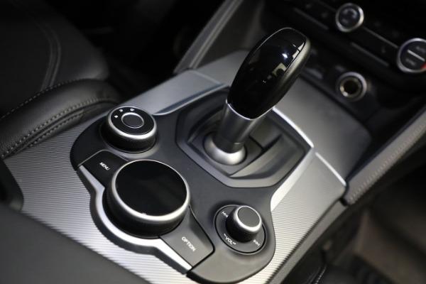 New 2019 Alfa Romeo Stelvio Ti Sport Q4 for sale Sold at Bugatti of Greenwich in Greenwich CT 06830 28