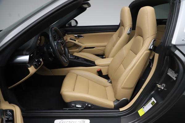 Used 2017 Porsche 911 Targa 4S for sale $123,900 at Bugatti of Greenwich in Greenwich CT 06830 24