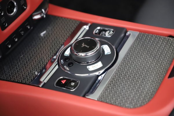 Used 2019 Rolls-Royce Dawn Black Badge for sale $355,900 at Bugatti of Greenwich in Greenwich CT 06830 27