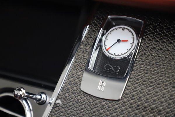 Used 2019 Rolls-Royce Dawn Black Badge for sale $355,900 at Bugatti of Greenwich in Greenwich CT 06830 28