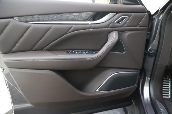 New 2020 Maserati Levante Q4 GranLusso for sale $87,885 at Bugatti of Greenwich in Greenwich CT 06830 17