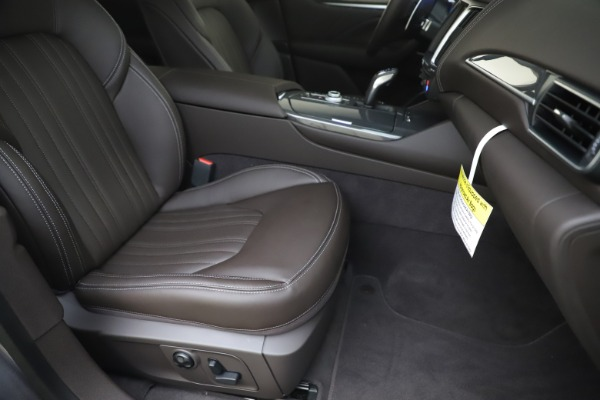 New 2020 Maserati Levante Q4 GranLusso for sale $87,885 at Bugatti of Greenwich in Greenwich CT 06830 24