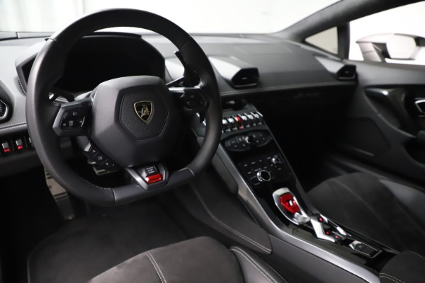 Used 2017 Lamborghini Huracan LP 580-2 for sale $179,900 at Bugatti of Greenwich in Greenwich CT 06830 13