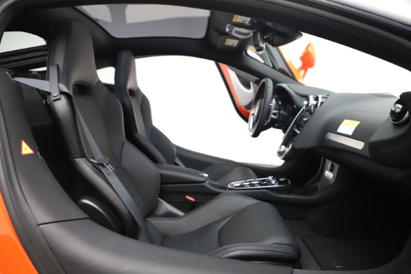 New 2020 McLaren GT Coupe for sale $246,975 at Bugatti of Greenwich in Greenwich CT 06830 20