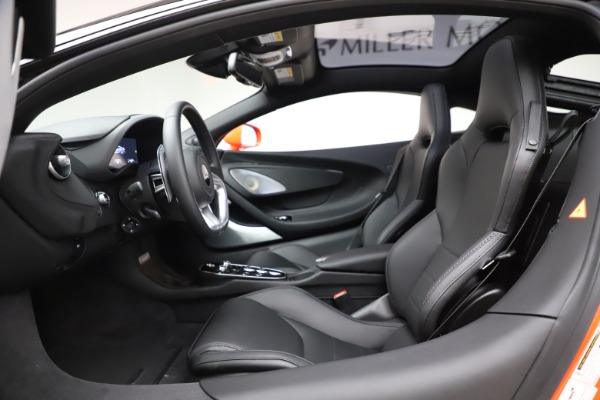 New 2020 McLaren GT Coupe for sale $246,975 at Bugatti of Greenwich in Greenwich CT 06830 22