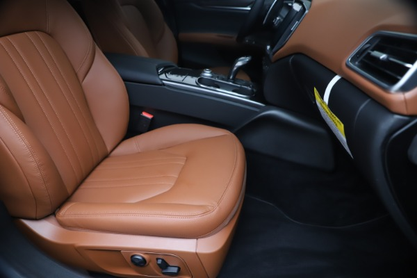 New 2020 Maserati Ghibli S Q4 for sale $85,535 at Bugatti of Greenwich in Greenwich CT 06830 24