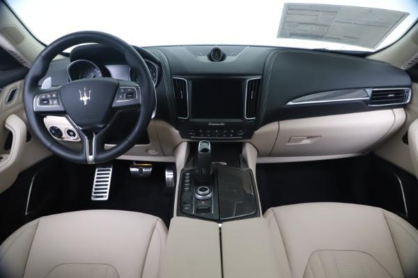 New 2020 Maserati Levante S Q4 GranLusso for sale Sold at Bugatti of Greenwich in Greenwich CT 06830 16