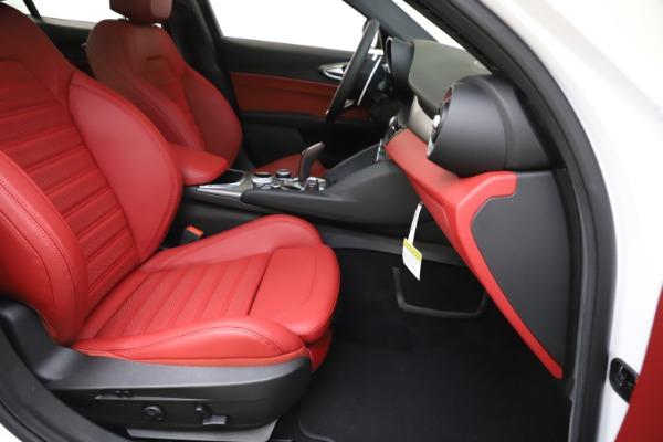 New 2020 Alfa Romeo Giulia Ti Sport Q4 for sale Sold at Bugatti of Greenwich in Greenwich CT 06830 25