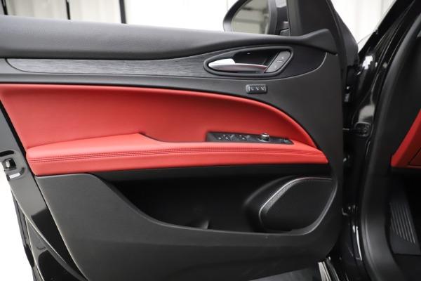 New 2020 Alfa Romeo Stelvio Sport Q4 for sale Sold at Bugatti of Greenwich in Greenwich CT 06830 17