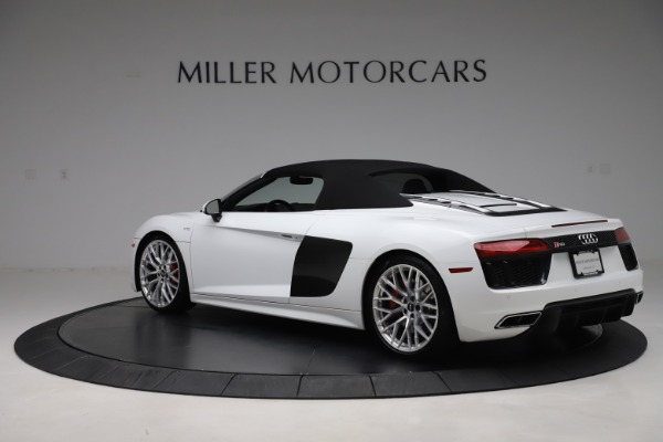 Used 2017 Audi R8 5.2 quattro V10 Spyder for sale $138,900 at Bugatti of Greenwich in Greenwich CT 06830 15