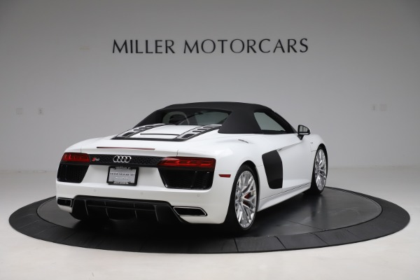 Used 2017 Audi R8 5.2 quattro V10 Spyder for sale $138,900 at Bugatti of Greenwich in Greenwich CT 06830 16