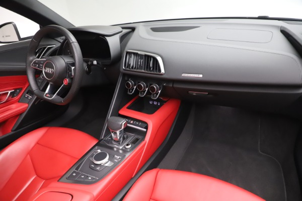 Used 2017 Audi R8 5.2 quattro V10 Spyder for sale $138,900 at Bugatti of Greenwich in Greenwich CT 06830 23