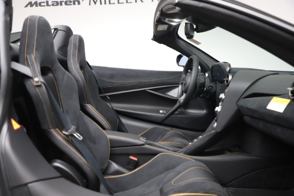 New 2020 McLaren 720S Spider Performance for sale $384,930 at Bugatti of Greenwich in Greenwich CT 06830 26