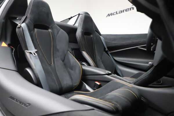 New 2020 McLaren 720S Spider Performance for sale $384,930 at Bugatti of Greenwich in Greenwich CT 06830 27