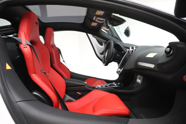 New 2020 McLaren GT Coupe for sale $257,242 at Bugatti of Greenwich in Greenwich CT 06830 20