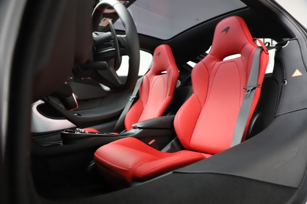 New 2020 McLaren GT Coupe for sale $257,242 at Bugatti of Greenwich in Greenwich CT 06830 21
