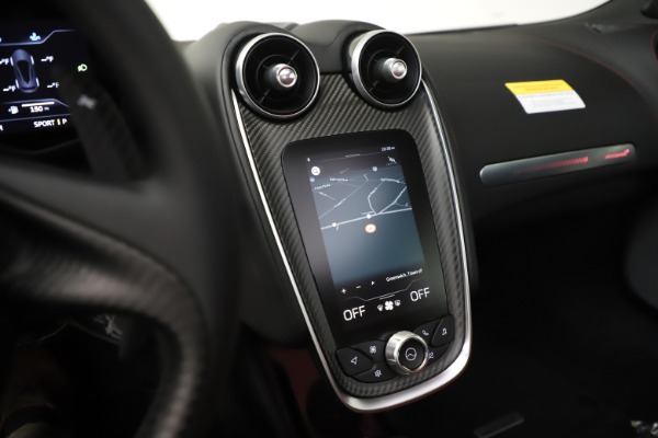 New 2020 McLaren GT Coupe for sale $257,242 at Bugatti of Greenwich in Greenwich CT 06830 26