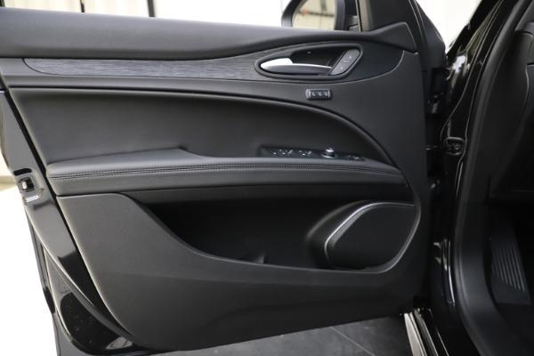 New 2020 Alfa Romeo Stelvio Sport Q4 for sale $49,695 at Bugatti of Greenwich in Greenwich CT 06830 17