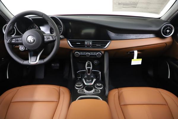 New 2020 Alfa Romeo Giulia Q4 for sale $46,395 at Bugatti of Greenwich in Greenwich CT 06830 16