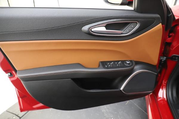 New 2020 Alfa Romeo Giulia Q4 for sale $46,395 at Bugatti of Greenwich in Greenwich CT 06830 17
