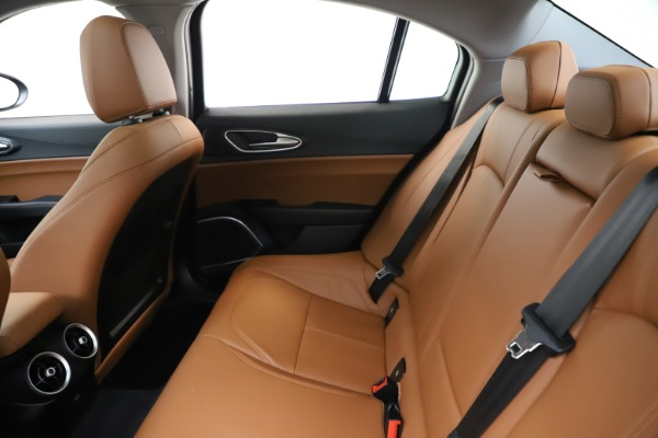 New 2020 Alfa Romeo Giulia Q4 for sale $46,395 at Bugatti of Greenwich in Greenwich CT 06830 19