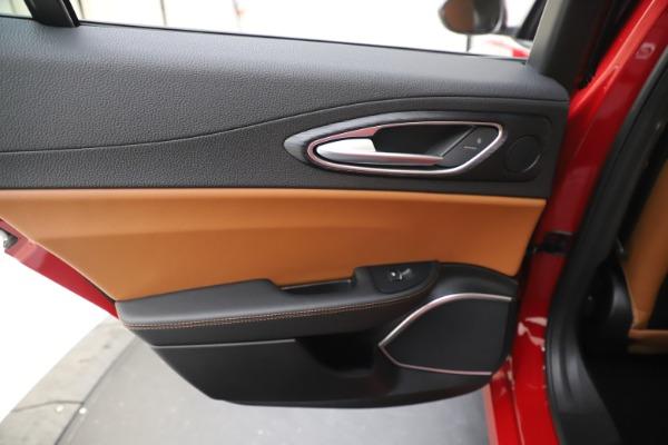 New 2020 Alfa Romeo Giulia Q4 for sale $46,395 at Bugatti of Greenwich in Greenwich CT 06830 21