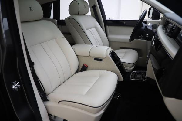 Used 2013 Rolls-Royce Phantom for sale Sold at Bugatti of Greenwich in Greenwich CT 06830 19