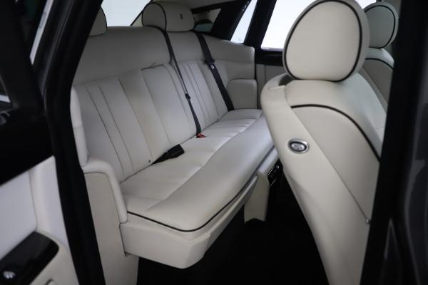 Used 2013 Rolls-Royce Phantom for sale Sold at Bugatti of Greenwich in Greenwich CT 06830 20