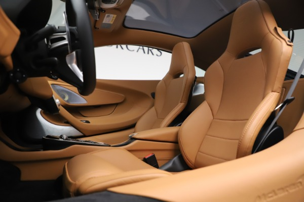 New 2020 McLaren GT Coupe for sale $236,675 at Bugatti of Greenwich in Greenwich CT 06830 16
