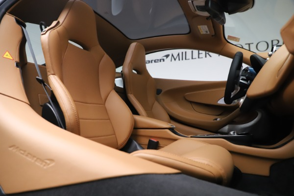 Used 2020 McLaren GT Luxe for sale Call for price at Bugatti of Greenwich in Greenwich CT 06830 21
