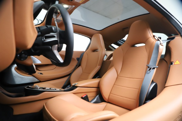 New 2020 McLaren GT Luxe for sale $244,675 at Bugatti of Greenwich in Greenwich CT 06830 17