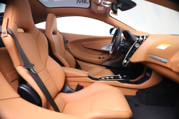 New 2020 McLaren GT Luxe for sale $244,675 at Bugatti of Greenwich in Greenwich CT 06830 19