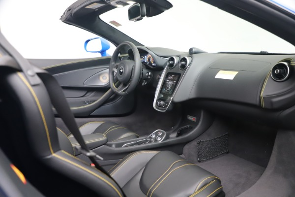 New 2020 McLaren 570S Spider Convertible for sale $236,270 at Bugatti of Greenwich in Greenwich CT 06830 26