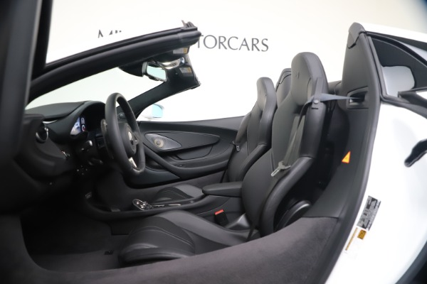 New 2020 McLaren 570S Spider Convertible for sale $231,150 at Bugatti of Greenwich in Greenwich CT 06830 23