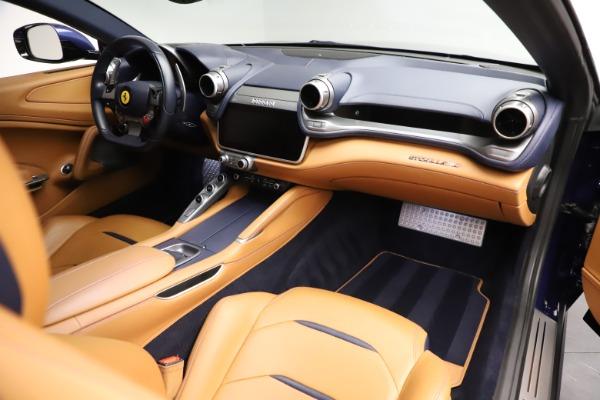 Used 2017 Ferrari GTC4Lusso for sale $204,900 at Bugatti of Greenwich in Greenwich CT 06830 18
