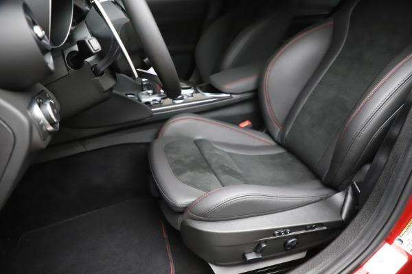 New 2020 Alfa Romeo Giulia Quadrifoglio for sale $83,590 at Bugatti of Greenwich in Greenwich CT 06830 15