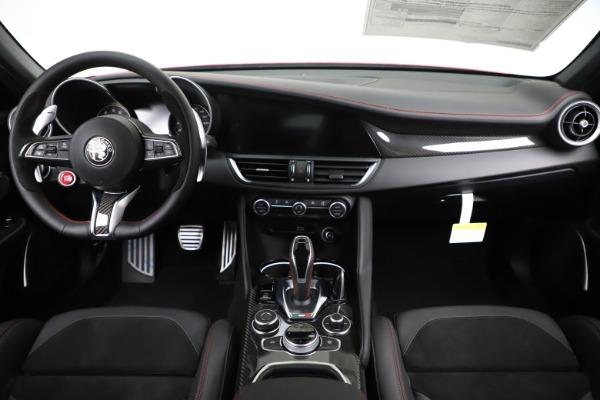 New 2020 Alfa Romeo Giulia Quadrifoglio for sale $83,590 at Bugatti of Greenwich in Greenwich CT 06830 16