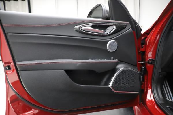 New 2020 Alfa Romeo Giulia Quadrifoglio for sale $83,590 at Bugatti of Greenwich in Greenwich CT 06830 17