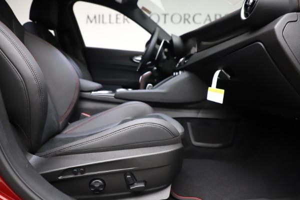 New 2020 Alfa Romeo Giulia Quadrifoglio for sale $83,590 at Bugatti of Greenwich in Greenwich CT 06830 23