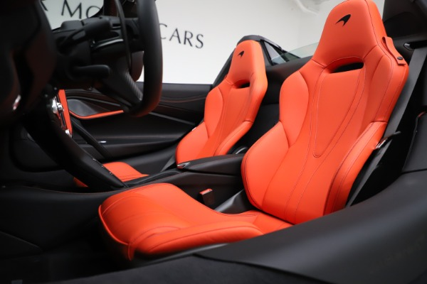 New 2020 McLaren 720S Spider Performance for sale $386,289 at Bugatti of Greenwich in Greenwich CT 06830 21
