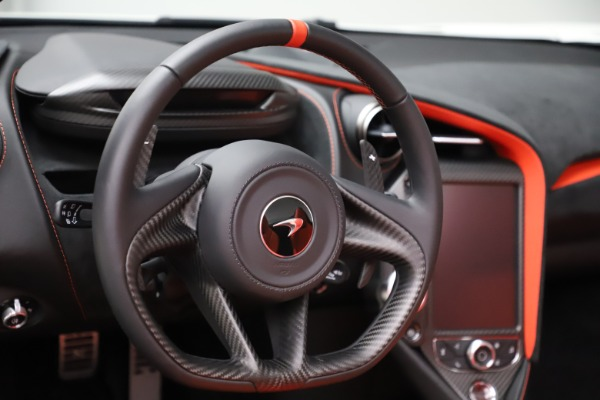 New 2020 McLaren 720S Spider Performance for sale $386,289 at Bugatti of Greenwich in Greenwich CT 06830 22