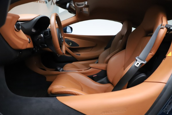 Used 2017 McLaren 570S for sale $154,900 at Bugatti of Greenwich in Greenwich CT 06830 14