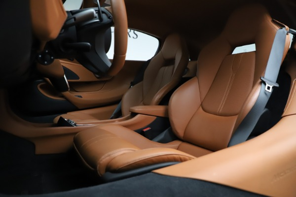Used 2017 McLaren 570S for sale $154,900 at Bugatti of Greenwich in Greenwich CT 06830 15